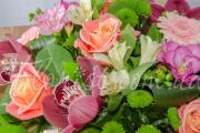 Цветы для бабушки: тонкости выбора и полезные советы