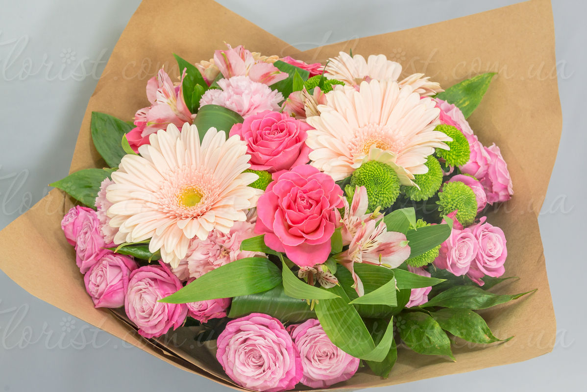 Send round bouquet of gerberas roses spray chrysanthemums bright and festive bouquet for active cheerful man izmirmasajfo