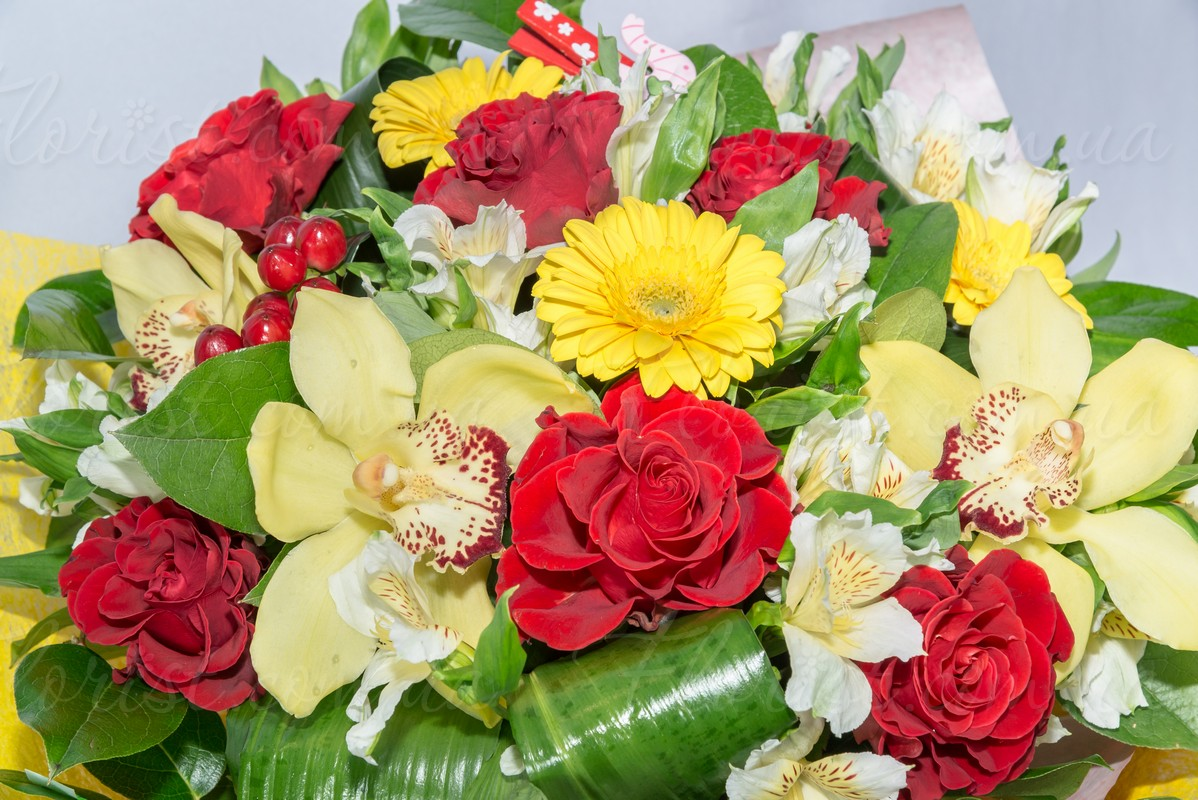 Send stylish and pleasant bouquet will enjoy both women and men this is really stylish gift look how well is arranged bouquet and picked flowers this bouquet will be good choice for birthday for her or for izmirmasajfo