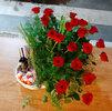 Фото 2. Доставка композиции в корзинке из роз, с вином, конфетами и киндер-сюрпризами в Анталию, Турция. florist.com.ua